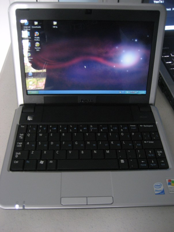 dell mini 9 pic 1